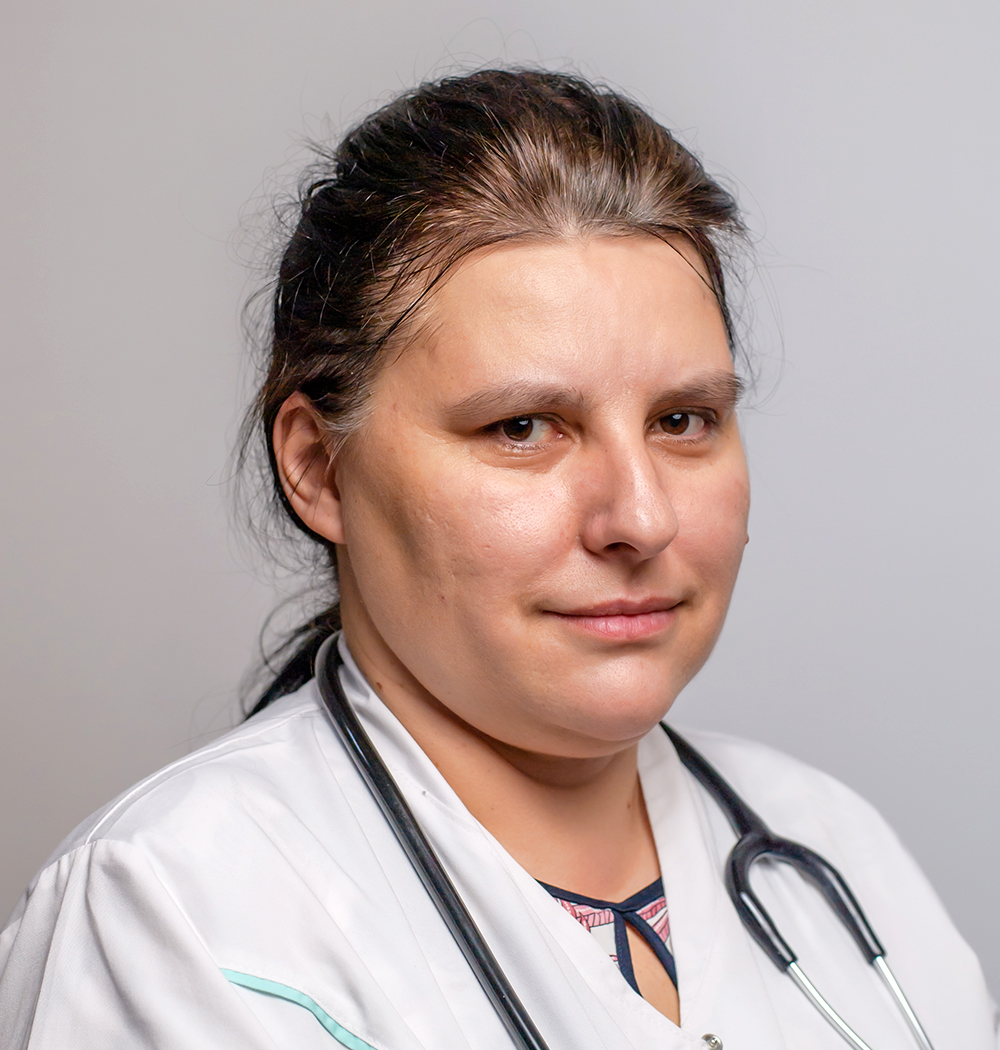Dr. Kosztelnik Claudia