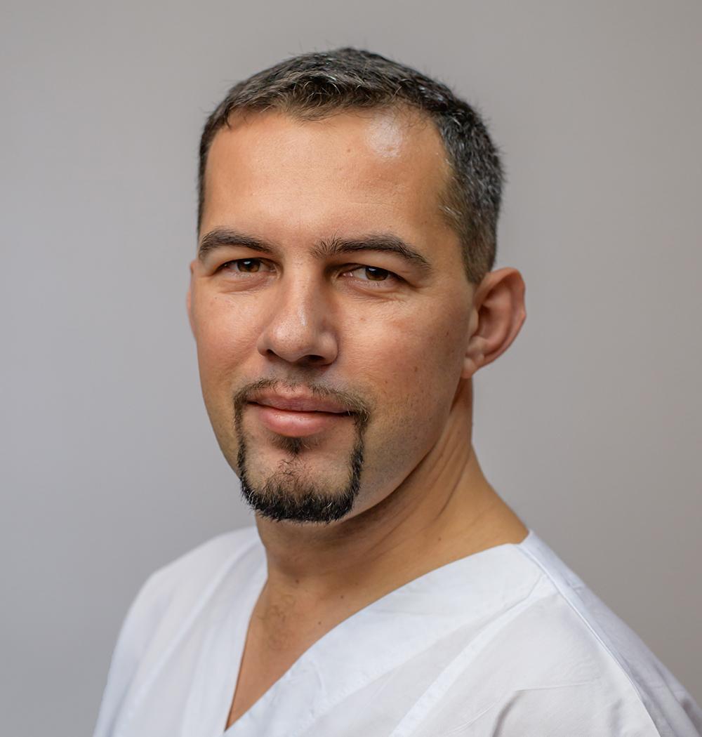 Dr. Colta Lucian