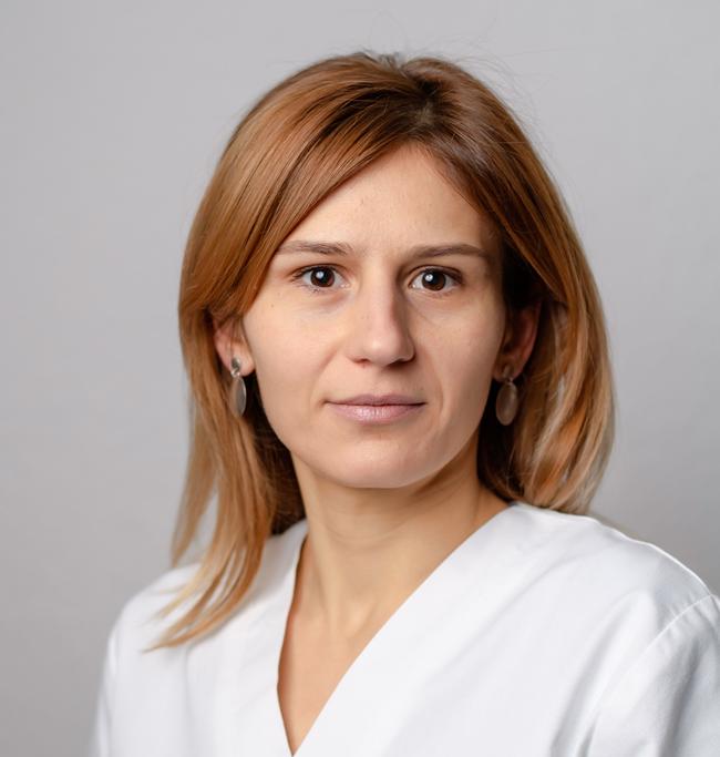 Cudrec-Mara--Farmacist