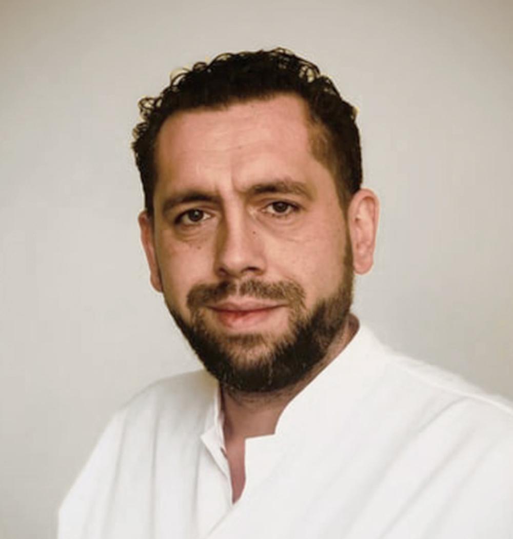DR.FARCAS-ROTARIU-ANDREI-MEDIC-SPECIALIST-NEUROCHIRURGIE3