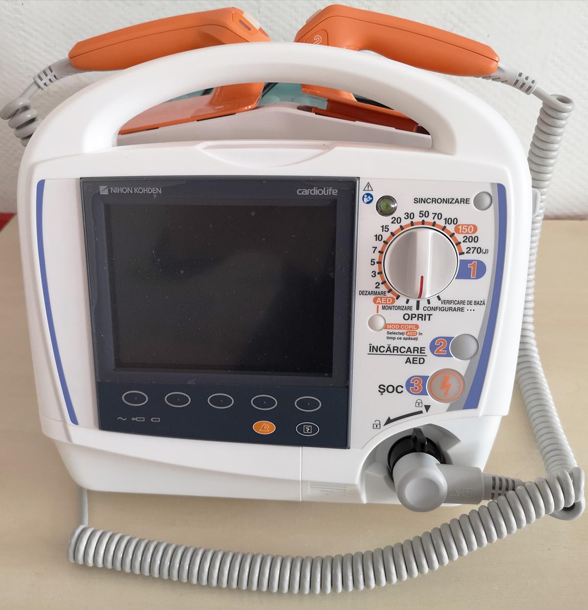 Defibrilator Cardiolife TEC -5621 Nihon Kohden